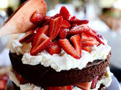 Chocolate Strawberry Nutella Cake